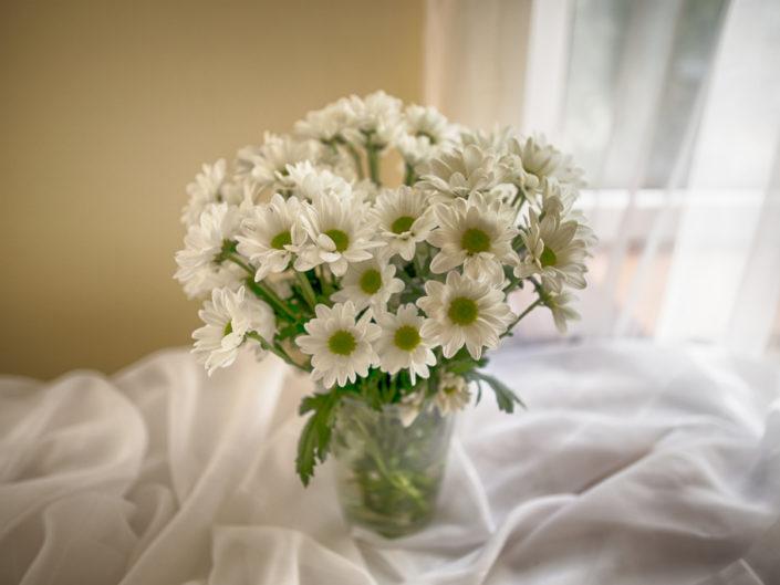 kwiaty obrazujące wydarzenie jakim jest stypa